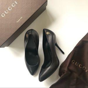 Gucci Crest Hysteria Saddle Black Leather Pumps 9